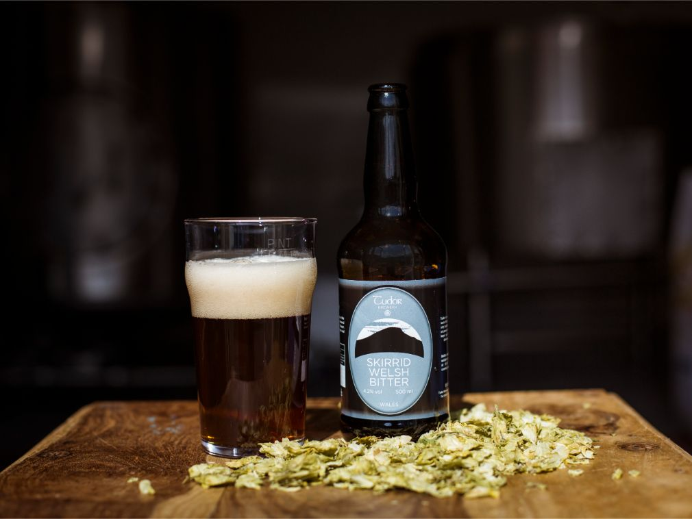 Tudor Brewery Skirrid Welsh Bitter In Glass